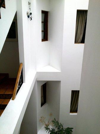 Hotel Morales: Patio interior