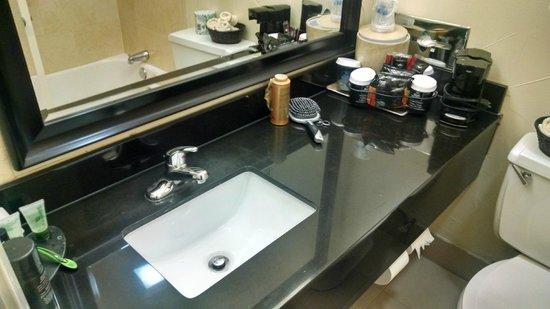 Best Western Market Center: countertop sink - bathroom
