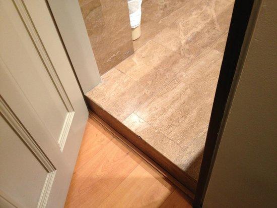 San Agustin Exclusive: Threshold between bathroom and room.