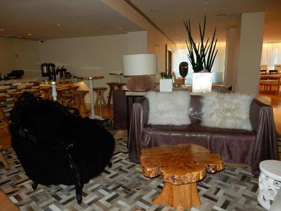 Mondrian Los Angeles Hotel : área social