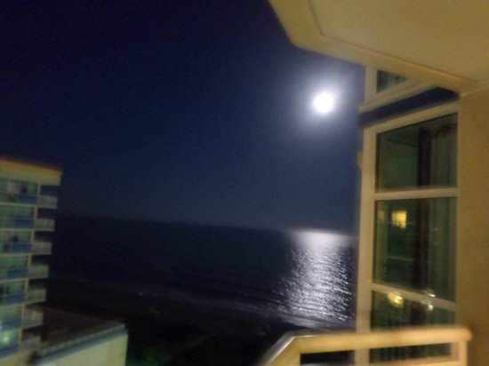 Dunes Village Resort : Full Moon View reflecting off the Ocean