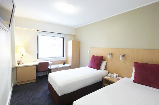 Ibis Sydney World Square: Standard Room - 2 single beds