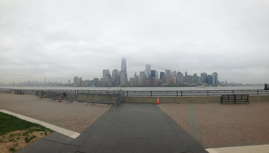 Liberty State Park : view by the Empty Sky Memorial