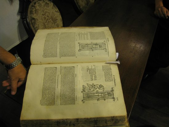 Lima Mentor: A medical book from 1550