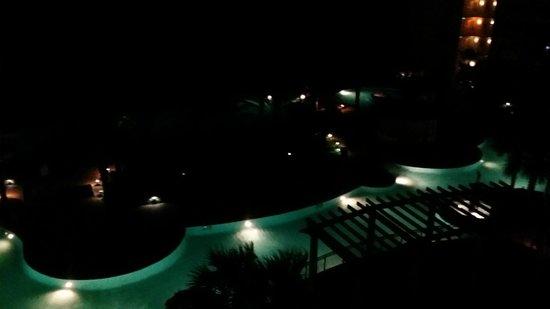 Shores of Panama Resort : Pool area at night