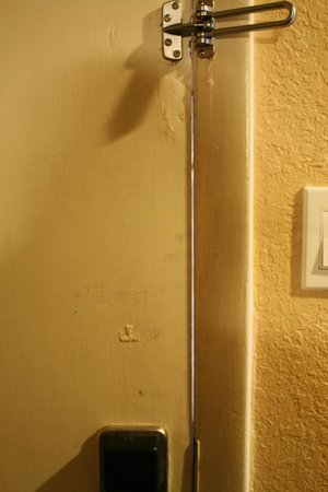 Best Western Space Shuttle Inn: The door...scary.