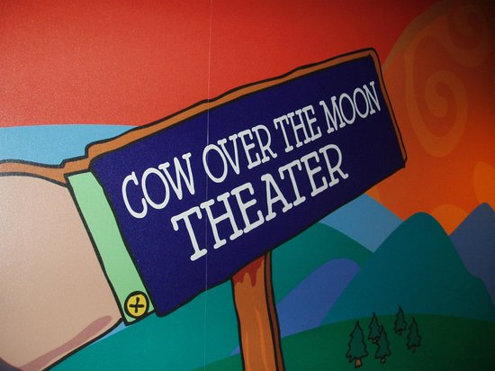 Ben & Jerry's : Cow Over the Moon Theater
