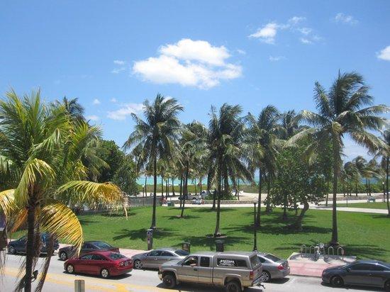 Bentley Hotel South Beach: Vista da praia, no terraço do Hotel..