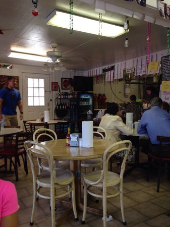 Angelle's Ice Cream Shoppe & Grille: DinDin
