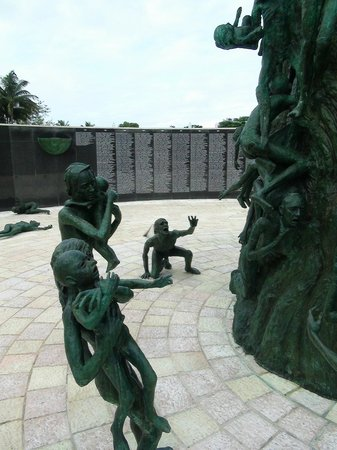 Miami Tour Company : Мемориал памяти холокоста
