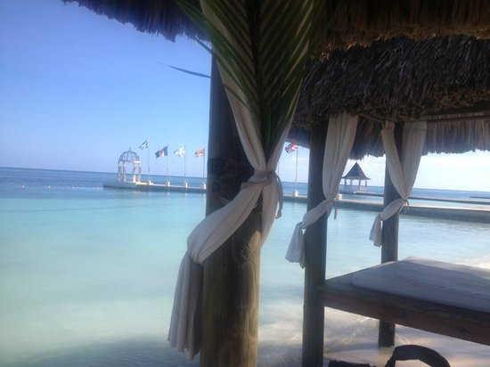 Sandals Montego Bay : view from cabana
