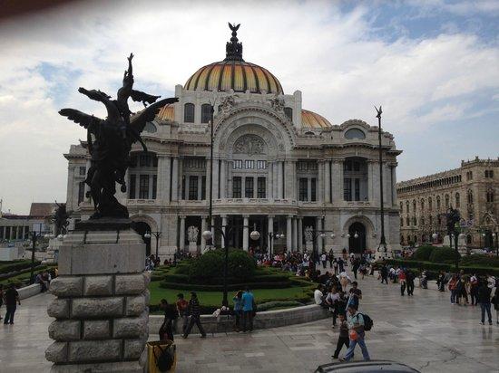 Palacio de Bellas Artes: belissimo
