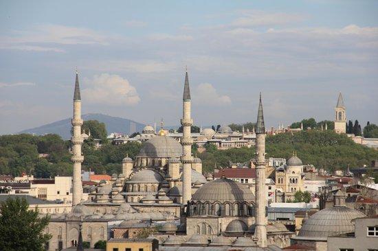 Hayriye Hanim Konagi Hotel: View of Mosque