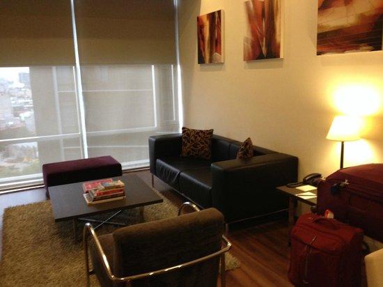 Plaza Suites Mexico City: sala do apto
