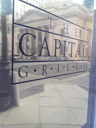 The Capital Grille : Placa del ingreso