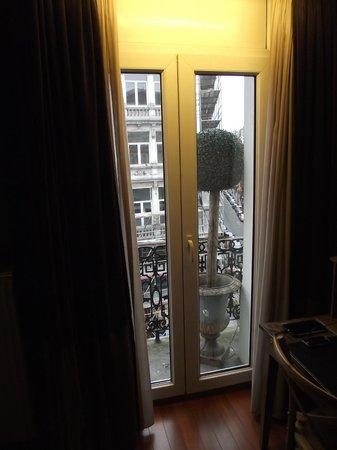 Hotel Orts: Balcão apartamento 9 - 3º andar