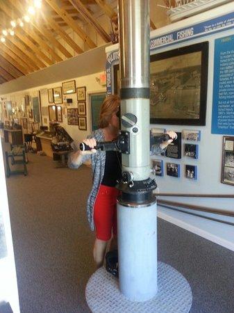 North Carolina Maritime Museum at Southport: Periscope peering.