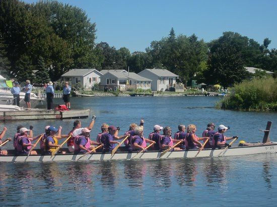 Prince Edward County, Canadá: Dragon Boat race in Wellington