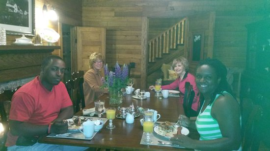 The Buck House Inn on Bald Mountain Creek: Buckhouse Breakfast