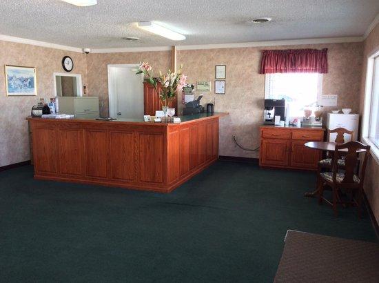 USA Inn: Front Desk