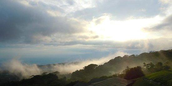 El Establo: Morning clouds