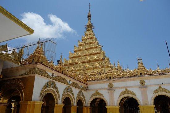 Mandalay, Burma: 美しい仏塔