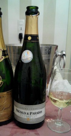 Champagne Nicolo & Paradis : I got 2 bottles of this, Blanc de Blancs NV