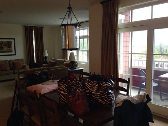 Clay Brook at Sugarbush: Living room with beautiful view.