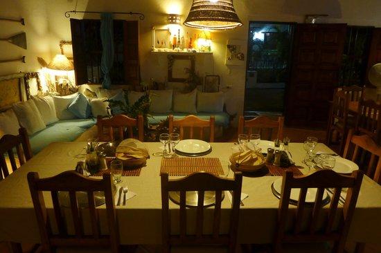 Posada Movida: Comedor esperandonos para cenar