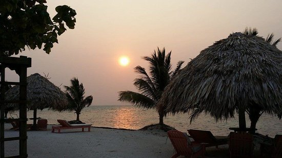St. George's Caye Resort : Sun Rise