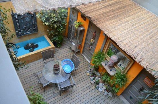 Casa Moro: View to terrace below