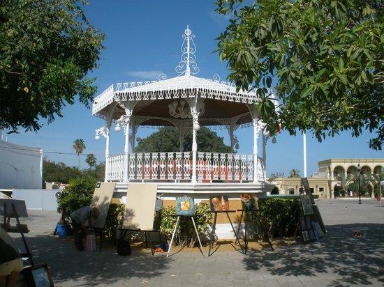 San Jose del Cabo main square: Band stand on art night