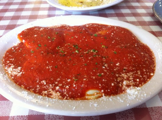 Lenny's NY Pizza: Six Meat Ravioli