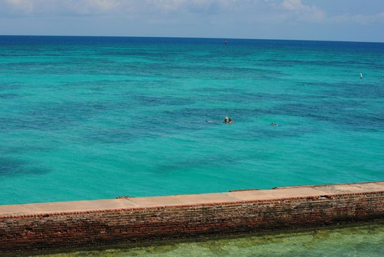 Dry Tortugas National Park: Beautiful Turquoise water around the Dry Tortugas