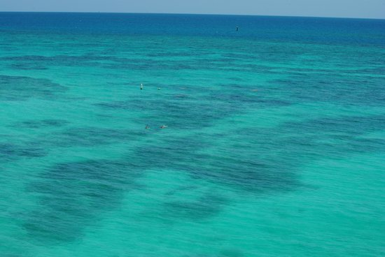 Dry Tortugas National Park: Beautiful turquse water around the Dry Tortugas