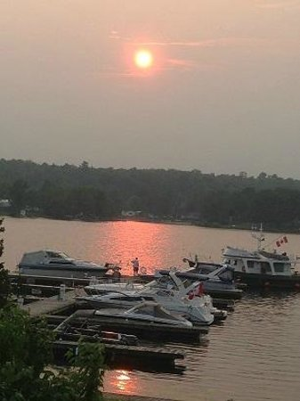 Kawartha Lakes Marina & Cottage: Our Unforgettable Sunset