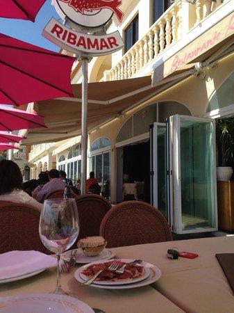 Ribamar : Mesas na calçada