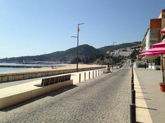Ribamar : Rua do restaurante na beira da praia