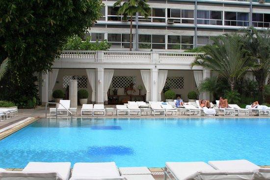 Belmond Copacabana Palace : A piscina mais linda do Rio