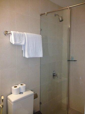 An An 2 Hotel: bath room in standard room