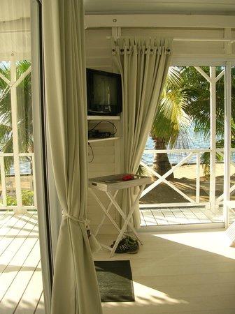 Opoa Beach Hotel : Une vue du salon