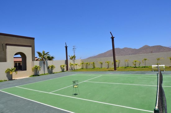 Sol Pacifico Cerritos: Tennis anyone?