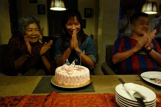 Essence Hanoi Hotel & Spa : Happy Birthday to sister May 17,2014