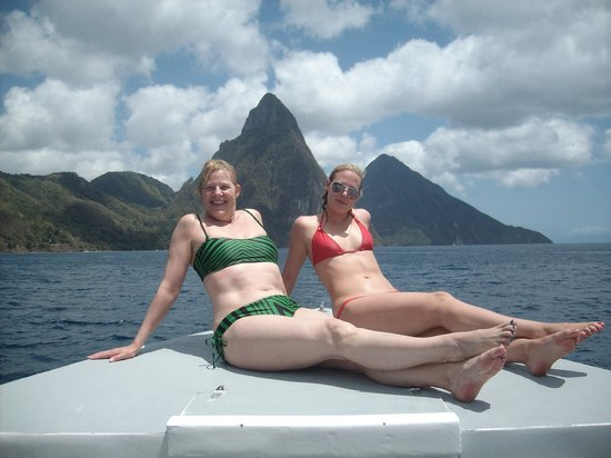 Scuba Steve's Diving Ltd.: Relaxing on the boat in-between dives