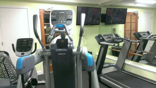 Millwood Inn & Suites: Part of the workout room. There is more.