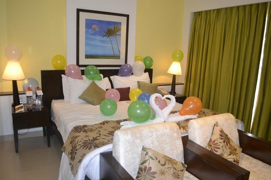 Citrus Goa: Premier Room Decor for honeymoon couples