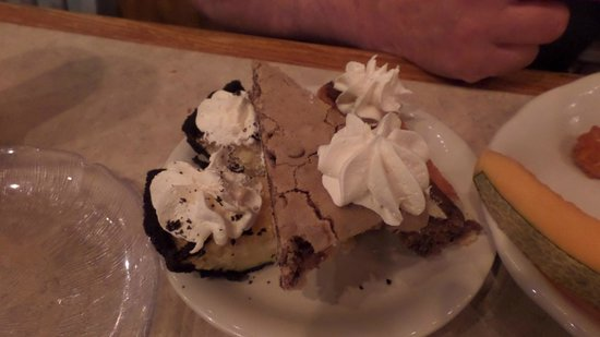 Crabby Mike's Calabash Seafood : desserts