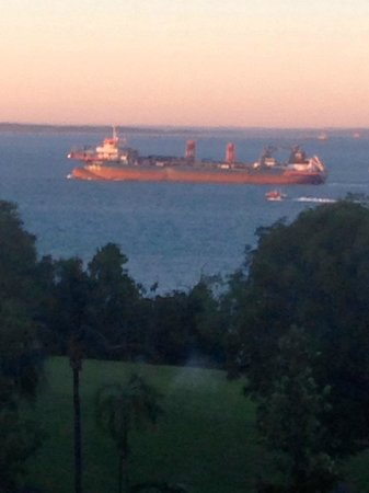 Novotel Darwin CBD: Plenty of boats and ships coming and going