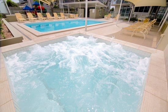 Hi Surf Beachfront Resort Apartments: Outdoor Pool & Spa