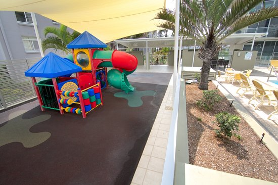 Hi Surf Beachfront Resort Apartments: Childrens Playground